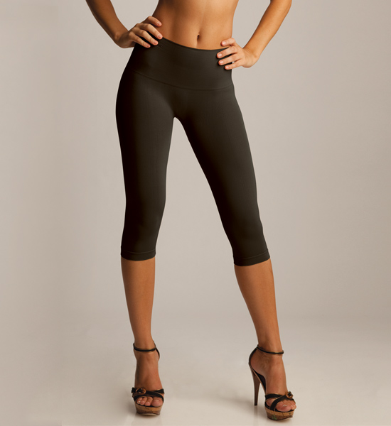 High Waisted Black Capris