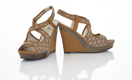 b23b8d433bc0 Bucco Vegan-Leather Wedge Sandals