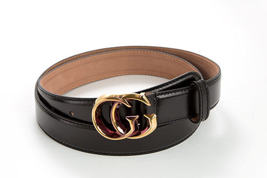 231117e793d  199.99 for a Gucci Unisex Thin Leather Belt ( 290 list price). Black  leather  Antique gold hardware  Available sizes  95 cm ...